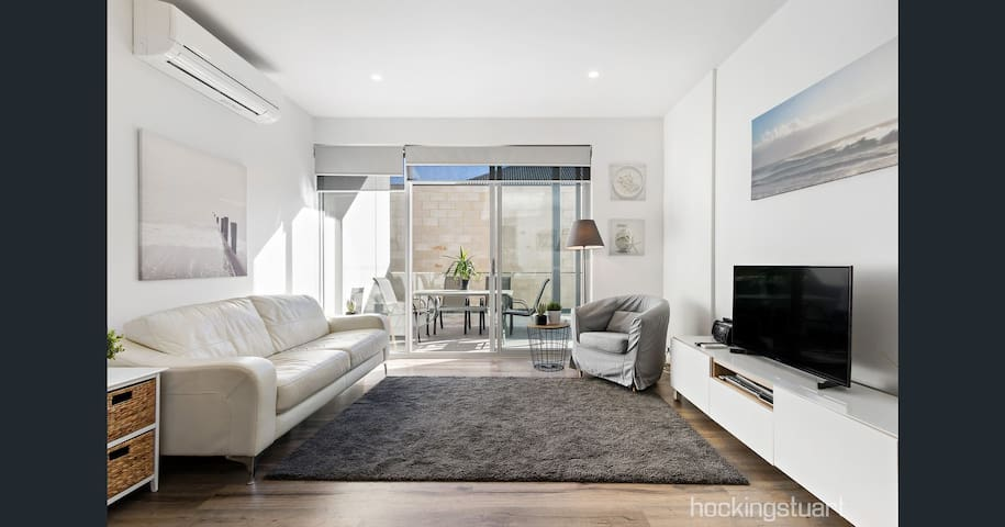 Dromana Beach Apartment