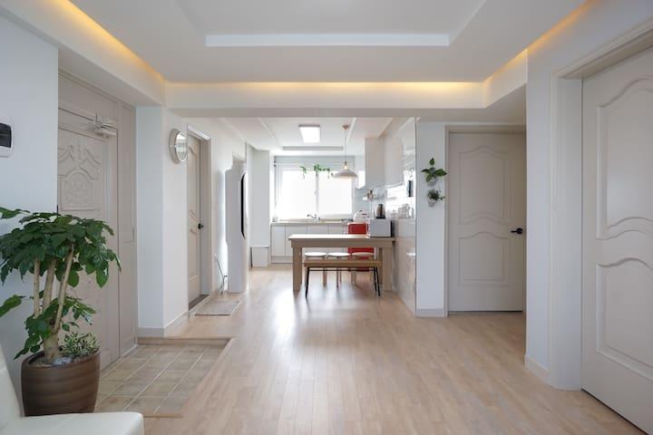CleanHouse for 6-8ppl in Mokdong#2