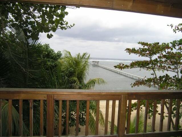 #6 SeaDancer Beachfront Villa 2 Bdrm 2 Bath - Sandy Bay / Roatan - Hus