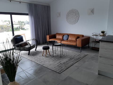 Amazing new apartment with sea view close to beach