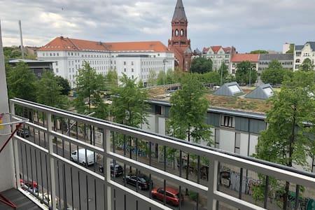 helles Design-Apartment in Kreuzberg zu vermieten