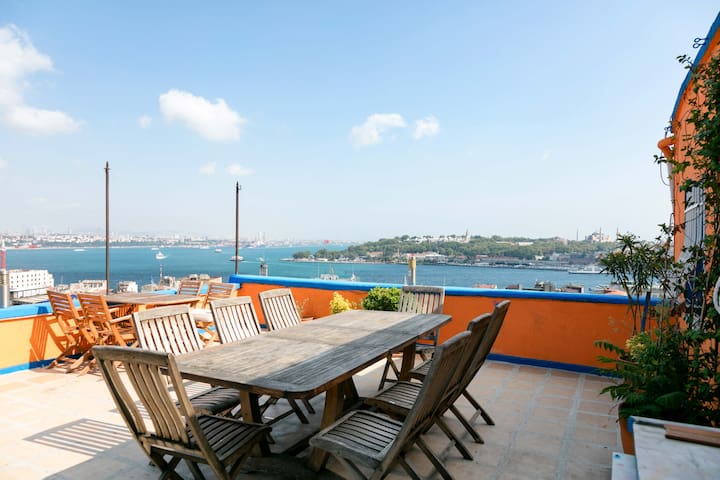 Stunning views ! Terrace apart. near Galata Tower. - Beyoğlu - Apartment