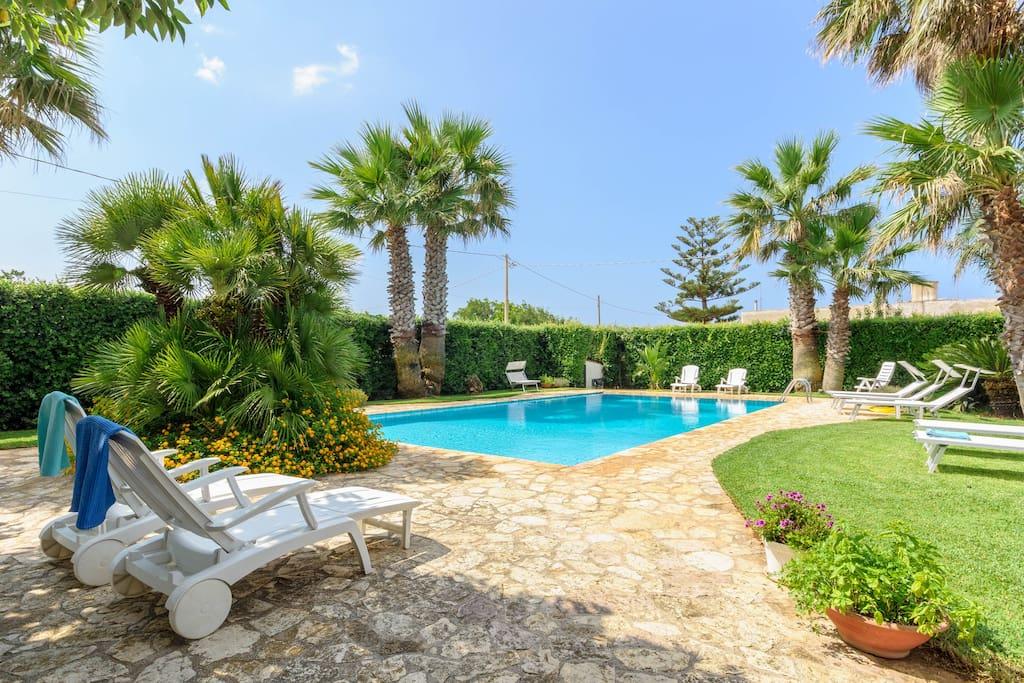 Villa singola con piscina privata villas louer - Villa con piscina sicilia ...