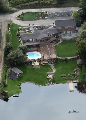 Private & serene Lakeside Suite #2 - Peterborough - Kabin