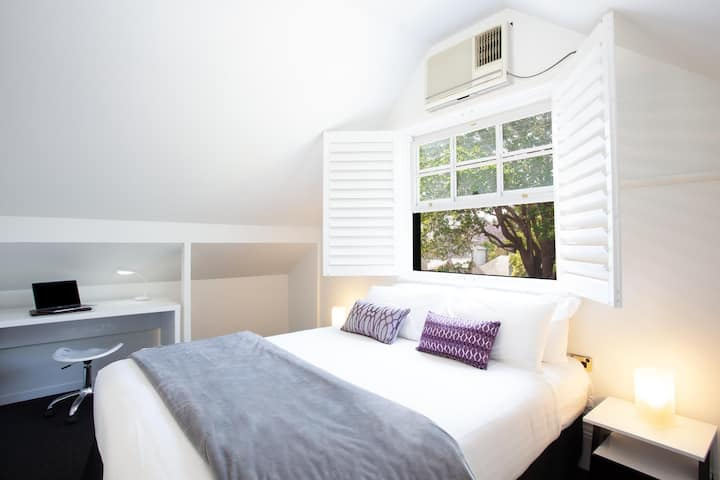 Woolwich Studio Bliss, Your Private Oasis by the Water