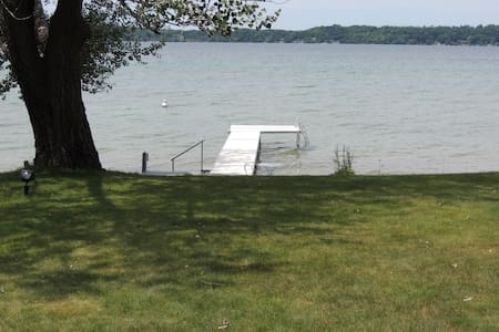 Great Family-Ranch on Torch Lake - Alden - House - 2
