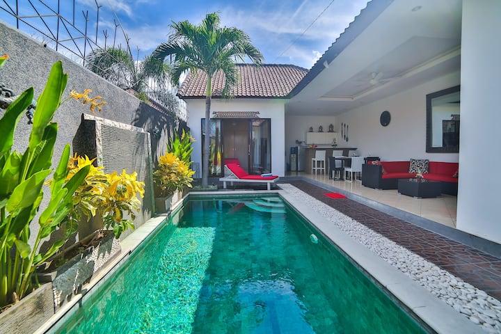 Bali Cinta Villa巴厘岛豪华别墅 ,2居室,位于塞米亚克Seminyak