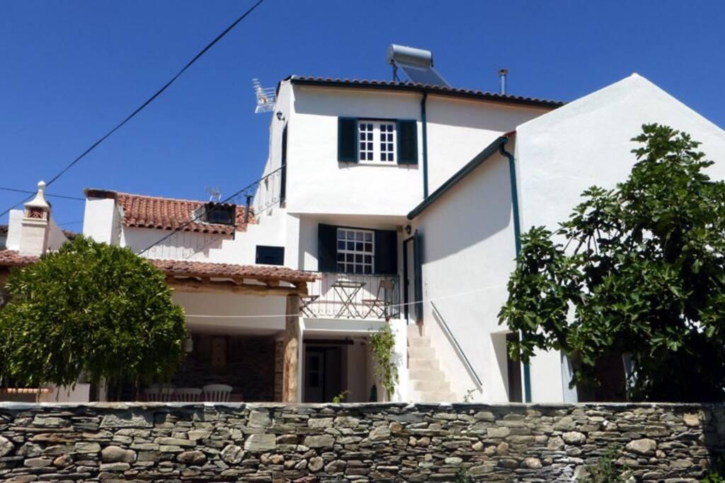 casa boa vista coja h user zur miete in coja coimbra portugal. Black Bedroom Furniture Sets. Home Design Ideas