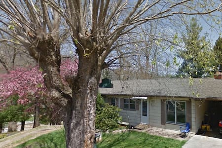 Large 3 room house in the mountains - Waynesville - Casa