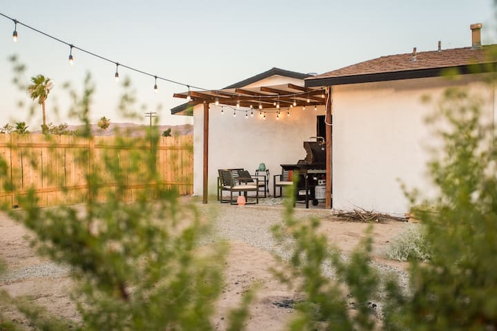 Desert Casita - Lounging Under the Desert Stars!
