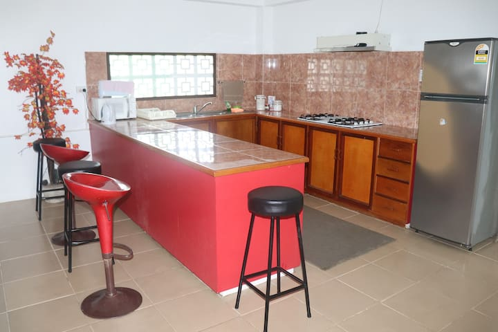 Spacious, Alarm Secured, Free Parking, A/C Rooms