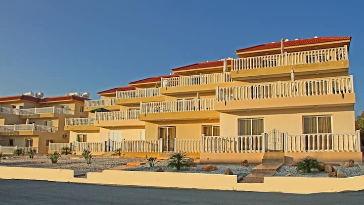 Nissi Beach 2 bedroom, WIFI, very large balcony