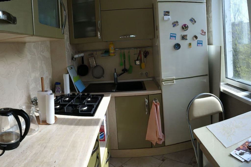 Кухня со всеми необходимыми предметами