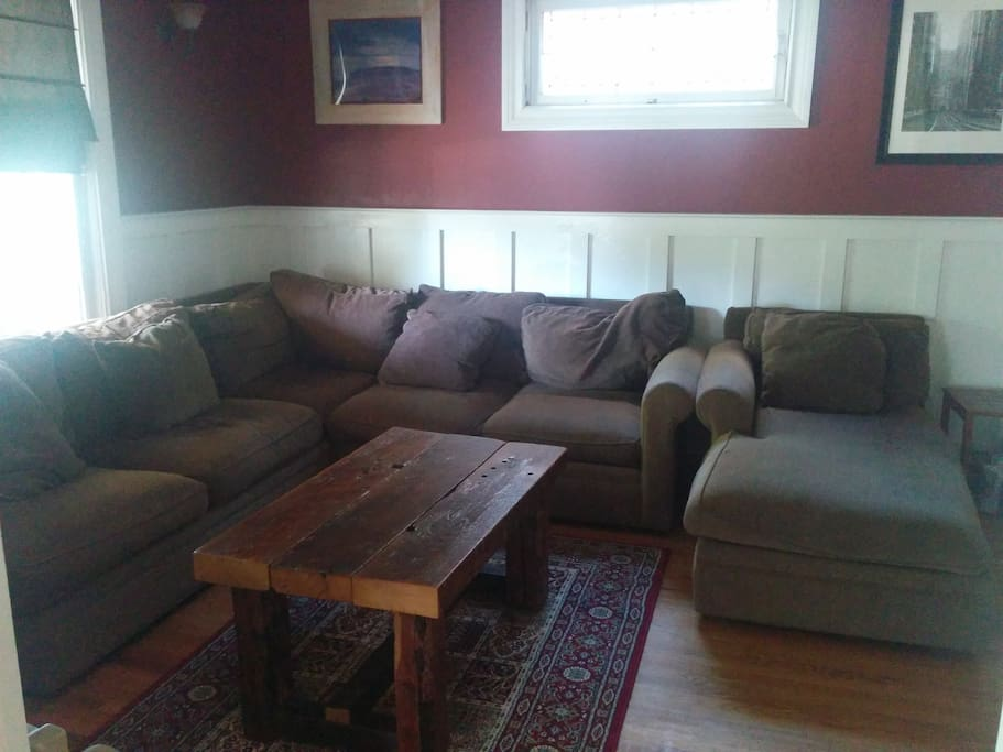 Comfortable living room for gathering includes 44 inch flat screen TV with cable