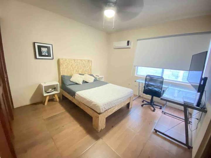 Habitación con baño privado en excelente ubicación