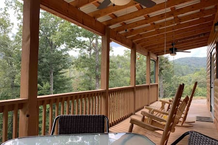 A Cabin Retreat (No cleaning fees)