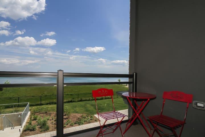 2 Bedroom Oasis Overlooking Lake Ontario!