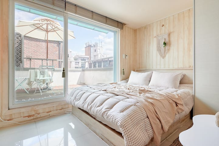 Seolleung Stn 5 mins Cozy Studio with Terrace