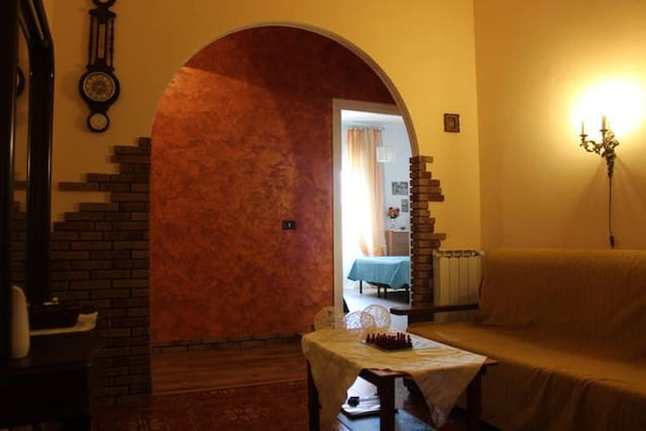 Shining room with balcony! - Roma - Apartment