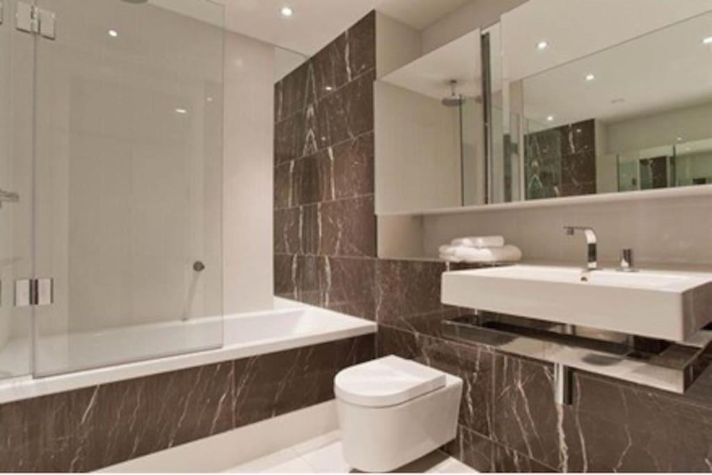 独立大卫浴带浴缸