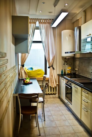 Loft apartment in the heart of the capital. - Kiev - Çatı Katı