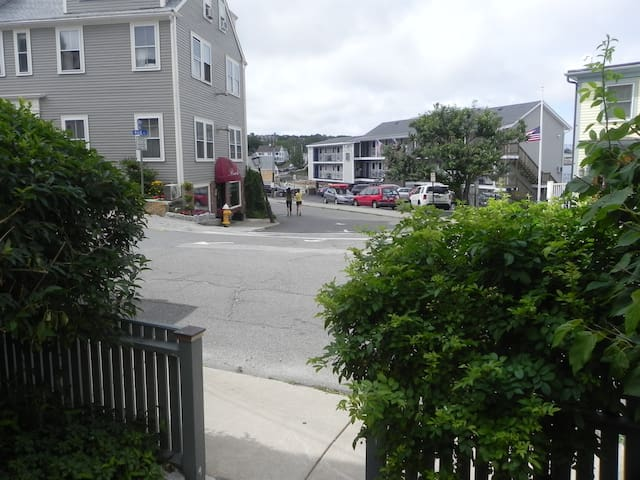Charming 1 BR steps from the beach - Rockport - Apartment