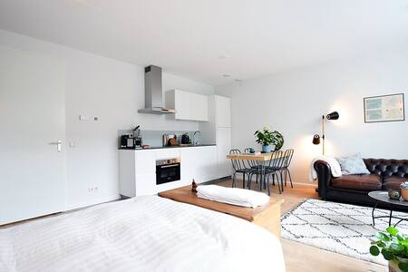 Modern studio with a lovely vibe - Amsterdam - Apartment