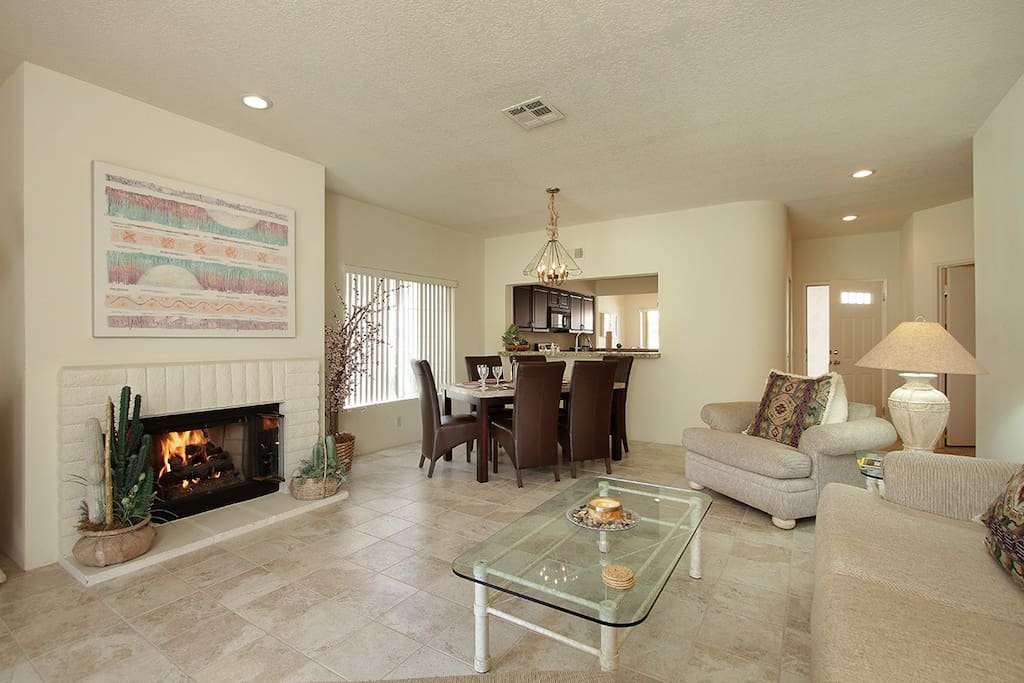 Large Living room with a Great Pool View &  Dining area for 6.