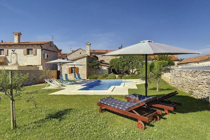 House Villa Orbanići (V3456-K1)