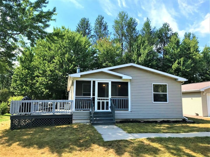 Berry Happy Place @ Spring Brook Resort | Charming 3 Bedroom Home in Wis Dells