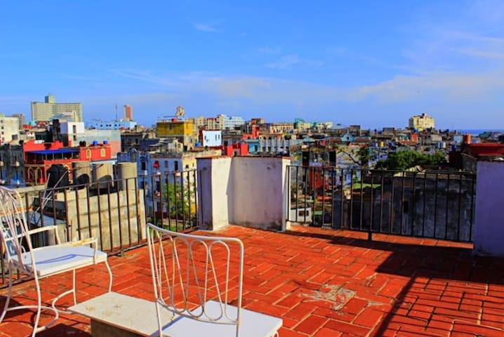 Cool Penthouse Centro Habana