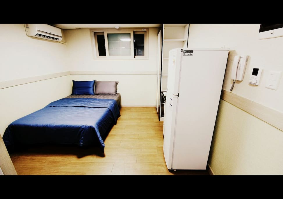 Double sized bed, Refrigerator, Air conditioner, wifi and TV with 100channels