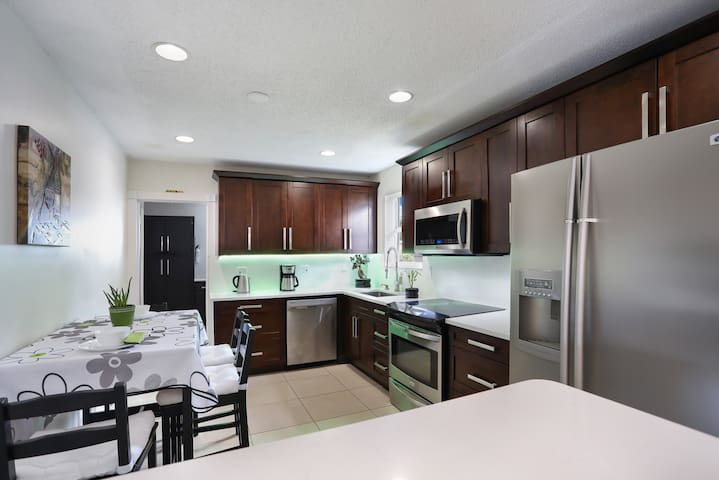 ❤ 5★ VACATION HOME close to Hollywood Beach❤
