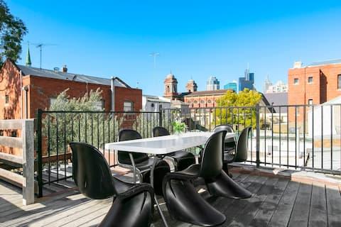 Enjoy the privacy of the open deck on the 1st level, overlooking historical buildings of Carlton and the city ...