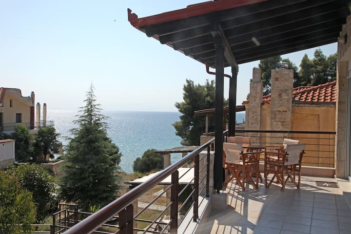 Holiday Apartment in Siviri steps from the Beach