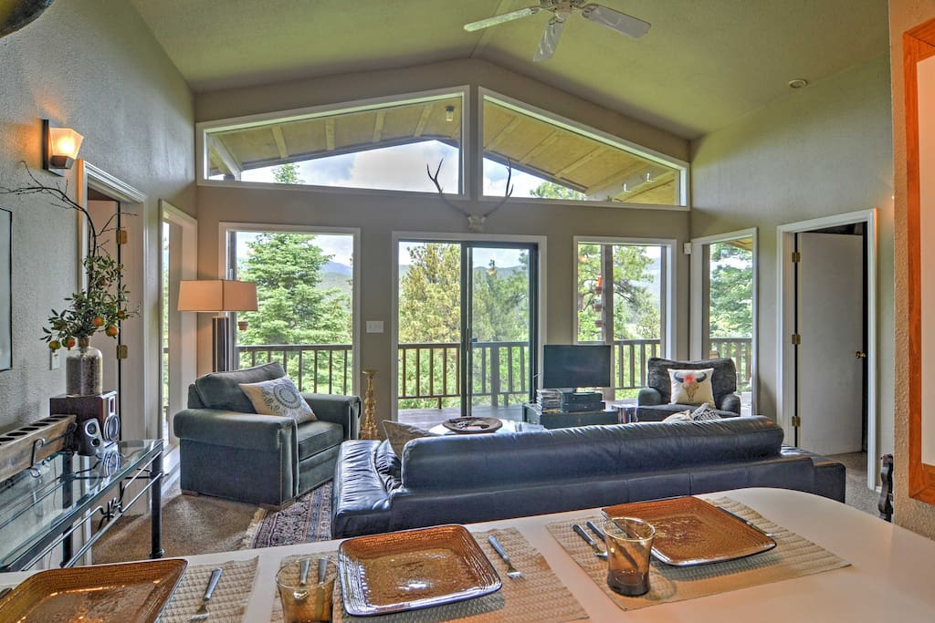Large windows in the living room provide guests with an excellent view of the valley.