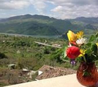 Sul Lago di Bomba con vista Majella - Bomba - Apartemen
