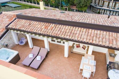 Stunning Rooftop apartment in Garda!!