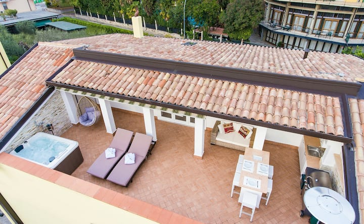 Stunning Rooftop apartment in Garda!!