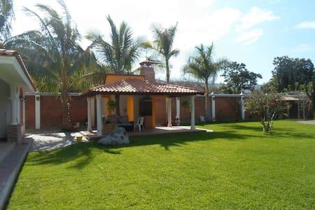 Weekend house - Ahuacatlán