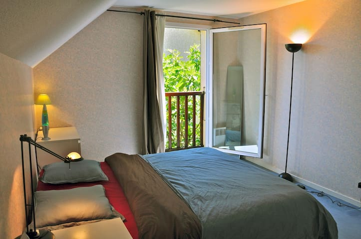 Big, bright and cosy room in  villa - Ville-la-Grand - Villa