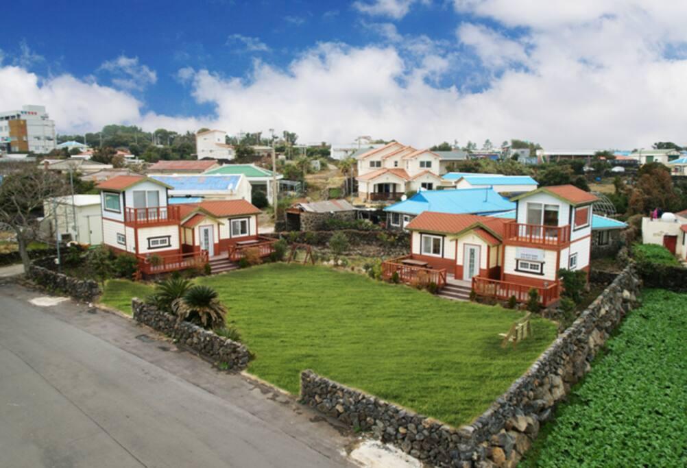 아름다운 마을 신산리에 위치한 와캠 전경입니다:)