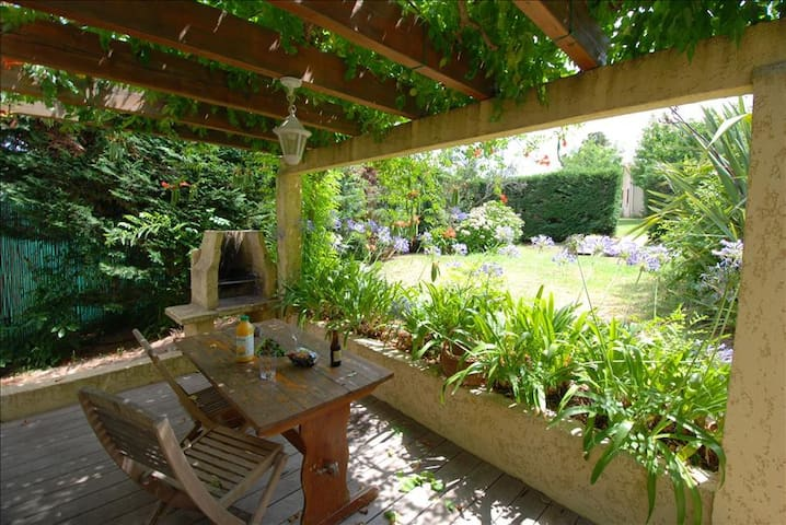 "Minivilla ""lilac"" for 2 people with private garden and swimming pool 2km from the beach - Calvi"