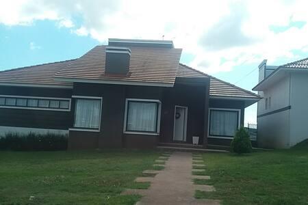 Casa alto padrão em Carambei diária