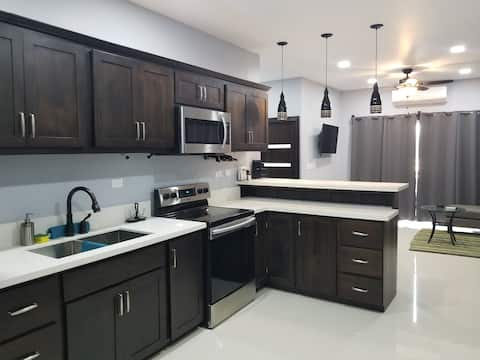 Modern 2nd floor 2 Bed Apartment in Belize City