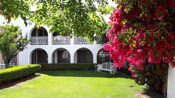 Casa Carranza 120  FAMILIAR 3R  Centro Histórico