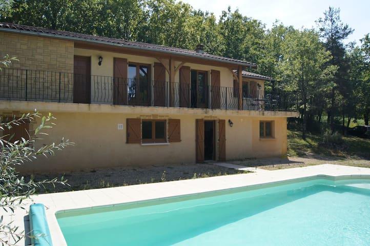 Belle maison, calme, piscine privée - Saint-Cybranet - Casa