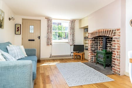 Bluebell Cottage, Newnham, Near Faversham Kent
