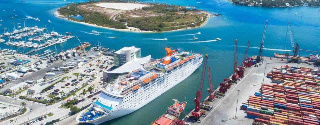 Port of Palm Beach Cruise Shops 5 min. Away