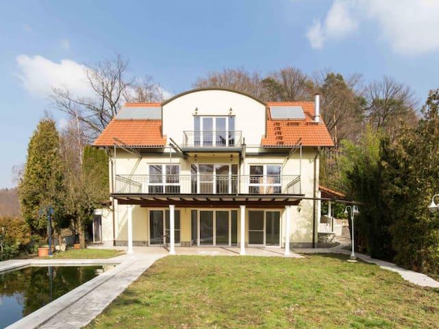 Haus Hirtenberg